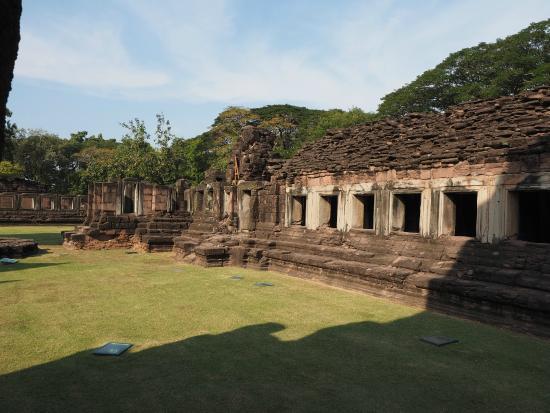 Phimai historical Park - Photo de Prasat Hin Phimai ...