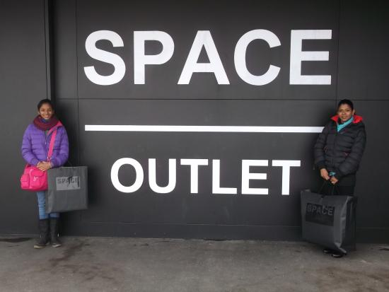 low priced 0ce7e 74c98 I miei stivali Prada - Picture of Prada Outlet (Space ...