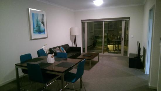 Nice Baileys Serviced Apartments: Spacious One Bedroom Apartment
