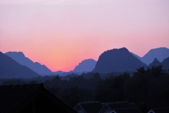 Domon Guesthouse : sunset from the balcony