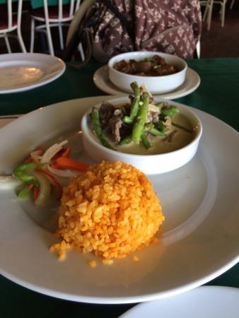 Chamorro Tei: 牛肉のココナツミルク煮