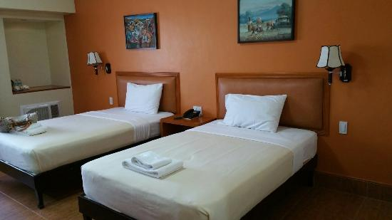 Pamulinawen Hotel: Bedroom pic 1