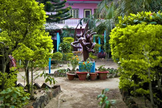 View from entrance: fotografía de Jabari Garden, Puri - TripAdvisor
