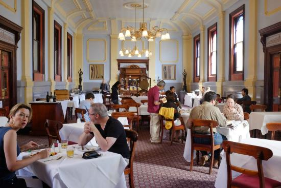Vue Grand Hotel: Breakfast in Grand Dining Hall