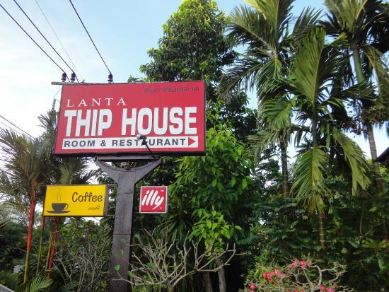 Lanta Thip House: Schild an Strasse nicht zu übersehen