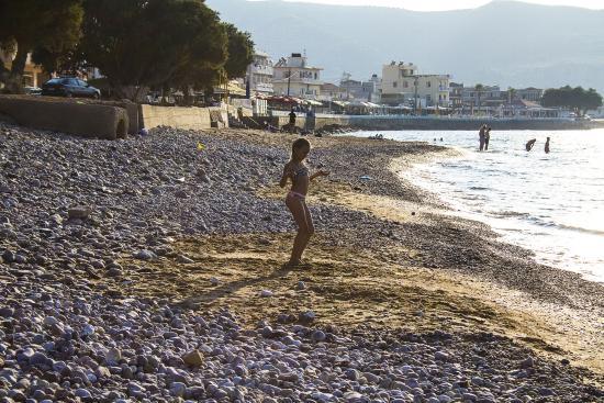 Rooms and Studios Bikakis Family: Kissamos public beach - 5 min. walk from Bikakis