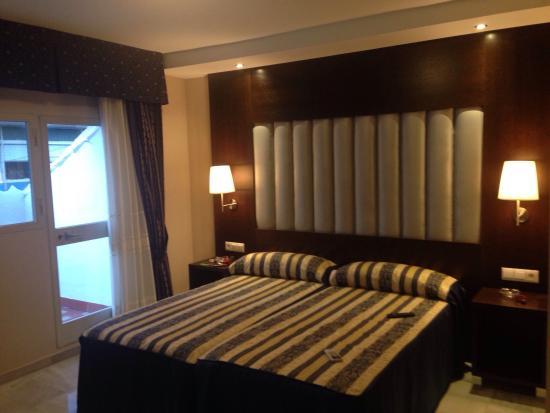 Hotel Castilla Guerrero: Dormitorio