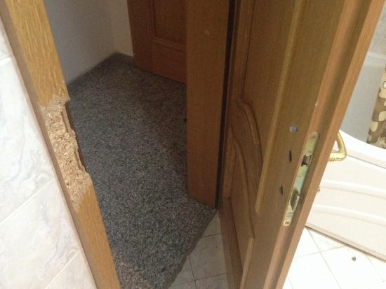 Hotel Italia : Toilete door