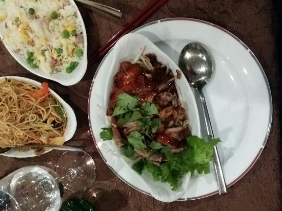 Bao Lin Xuan: Canard laqué - nouilles sautées