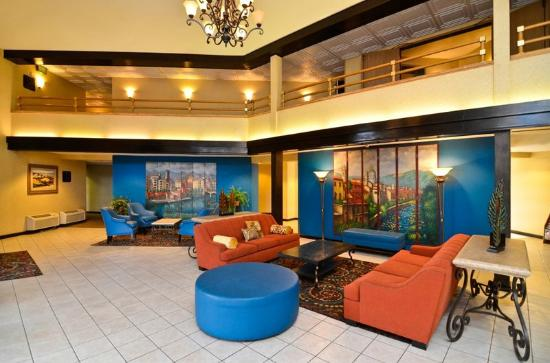 Inn & Suites At Discovery Kingdom: lobby