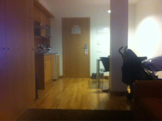 Aparthotel Augusta: Amplio apartamento para 2 +1 niño de 3 años