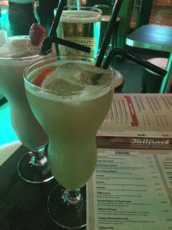 D'Vine Restaurant and Social Bar: Couldn't decide, so I had two... why not! Delicious!