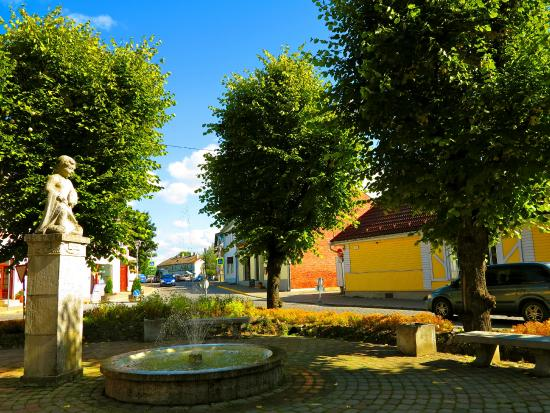 Lahe Maja Guesthouse: Haapsalu main square