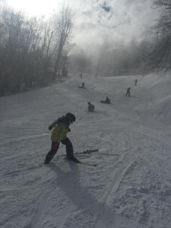 Appalachian Ski Mountain: Turn at orchard run