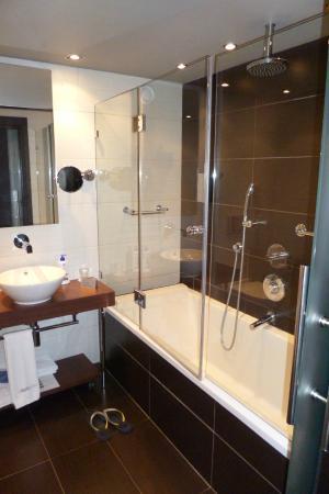 Hotel La Trufa Negra: Materiales de Impecable factura