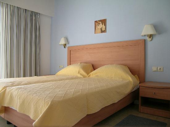 Troulos Bay Hotel: δικλινο δωματιο