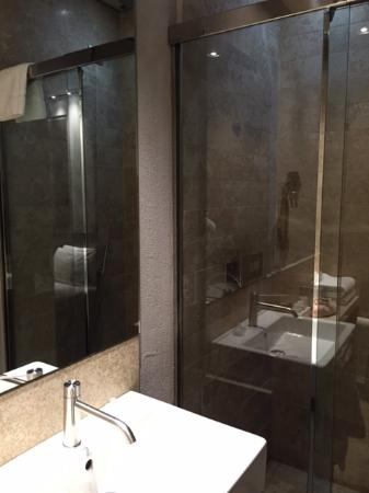 Posta Design Hotel: Bathroom