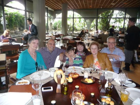 Família reunida no Rubaiyat Faria Lima