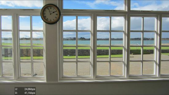 Portmarnock Golf Links: Clubhouse view to tee 1