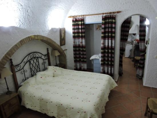 Cuevas Pedro Antonio de Alarcon: Acogedora