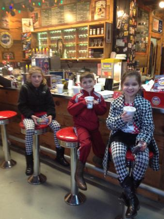 Moon Pie General Store : Hot chocolate and Moon Pies!