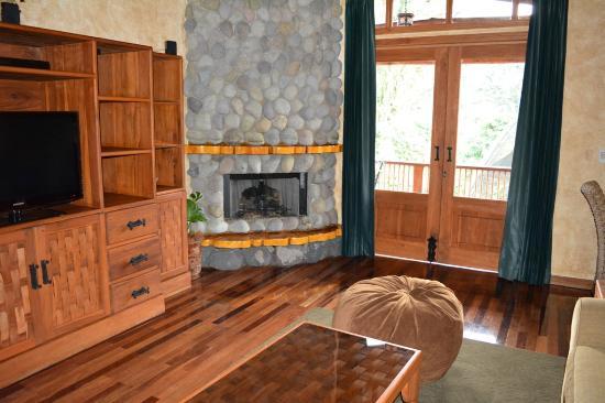 Villa Lago living room - Picture of Peace Lodge, Heredia - TripAdvisor