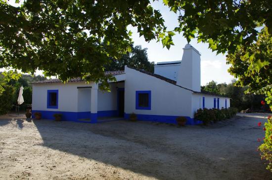 Monte do Serrado de Baixo: Quinta