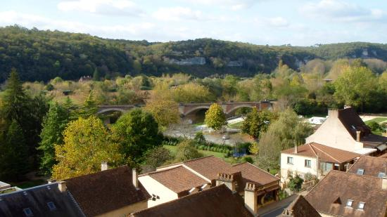 Musee National de Prehistoire: Vezere River Valley viewed from the museum terrace