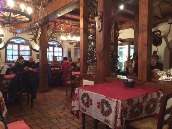 Restaurant Hassenforder: Ambiance très chaleureuse et agréable