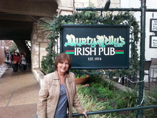 Durty Nelly's: Crazy Durty Nellie's - fun time