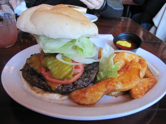 Haunted Hamburger: Amazing Burger And Went To The TOPPINGS BAR To Put Good  Stuff On