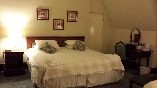 Gartmore House: ROOM