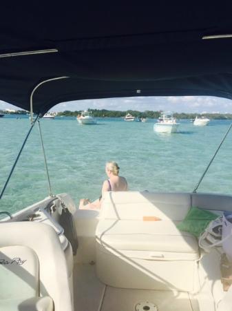 Boat Rental Miami : Dec 30 at the sand-bar.