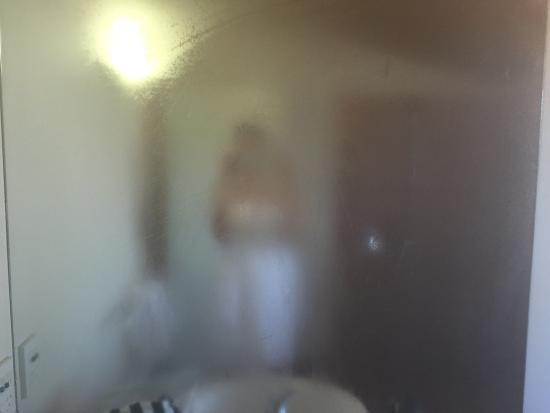Margrain Vineyard Villas: No fan, poor lighting in bathroom.