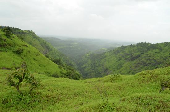 Igatpuri, India: depth of valley