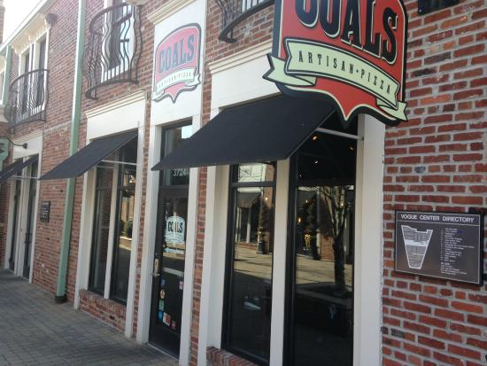 Coals Artisan Pizza: Coals entrance - off Shelbyville Rd. and Frankfort Ave.