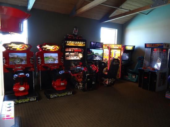 Angels Camp, CA: Games hall (pay game)