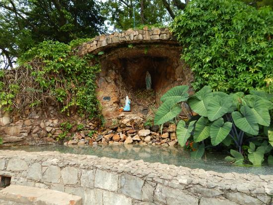 Gruta Nossa Senhora das Lourdes