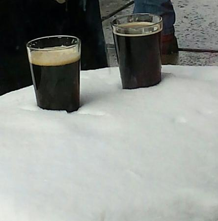 Flagstaff Brewing Company: Beer in the snow!