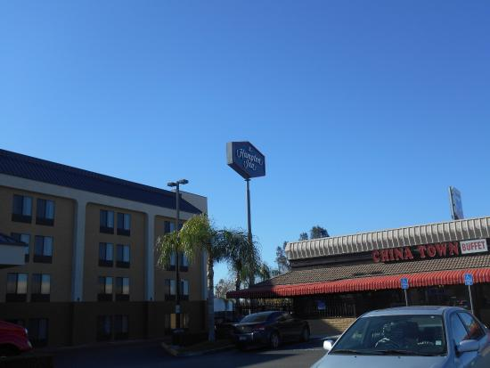 Hampton Inn Bakersfield - Central: Frente do Hotel