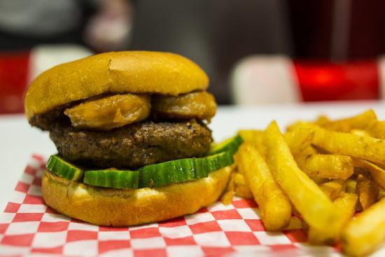 Tailpipes: thai burger