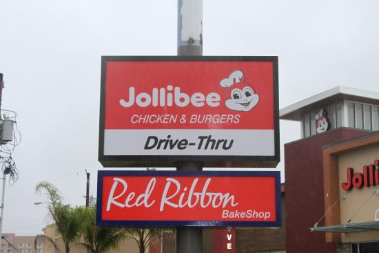 Halo-halo my favorite Filipino dessert. - Picture of Jollibee ...