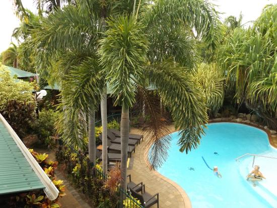 Palms City Resort: Pool Area