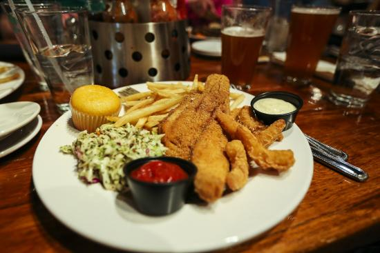 Foxfire Grille: Fried Catfish & shrimp