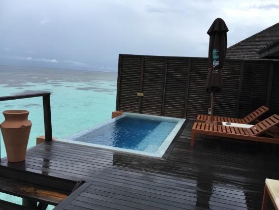 Lily Beach Resort & Spa: Jacuzzi facing Indian Ocean