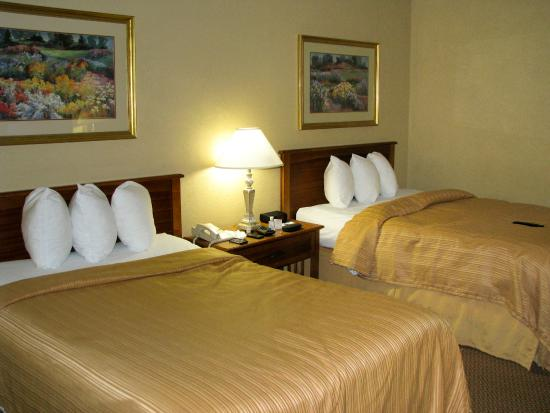 Quality Hotel and Conference Center: Comfortable beds