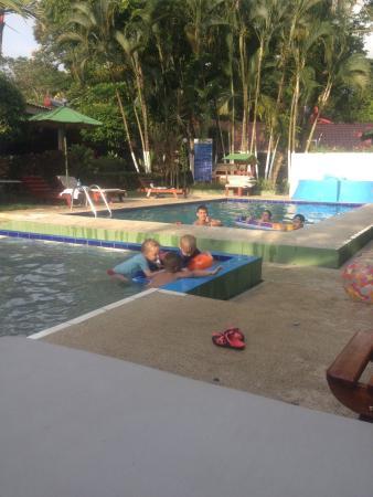 Hotel Mar de Luz: Disfrutando las piscinas