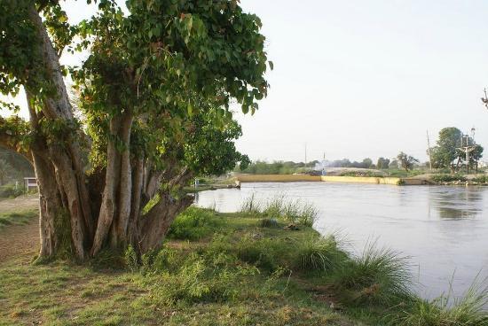 Tando Allahyar, Pakistan: Canal