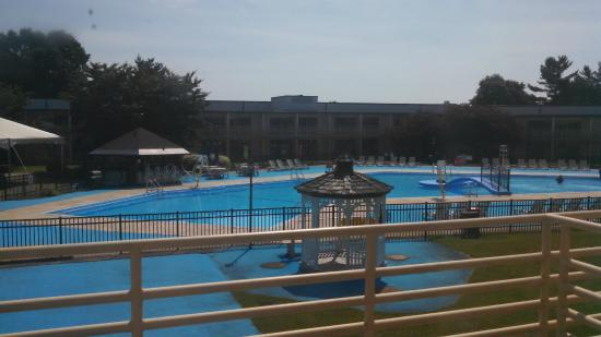Lancaster Host Resort and Conference Center : View of pool area from rm 524