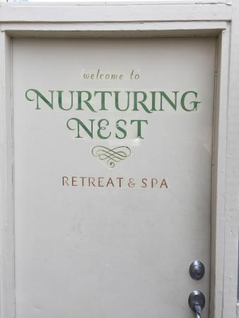 Nurturing Nest Mineral Hot Springs Retreat and Spa: Entrance